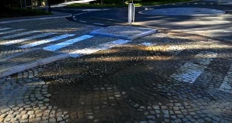 Mini krožišče pri gradu na Kolodvorski cesti